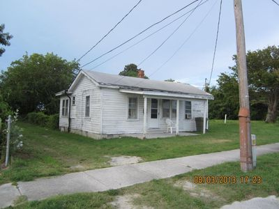 1406 Fisher St, Morehead City, NC 28557