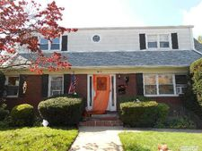 9526 243rd St, Floral Park, NY 11001