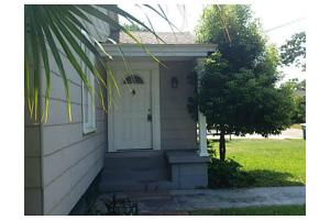 3812 Cedar St, Moss Point, MS 39563