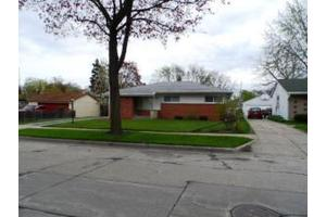 8521 W Ruby Ave, City of Milwaukee, WI 53225