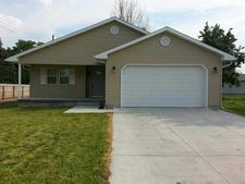 605 W 13th St, Kearney, NE 68845