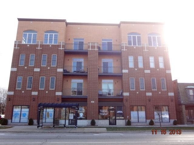 3954 N Oriole Ave Apt 201, Chicago, IL 60634