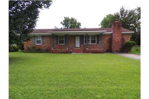 7074 N Kenwood Dr, North Charleston, SC 29406