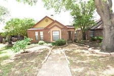 2004 Feather Ln, Lewisville, TX 75077
