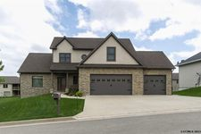6110 Amber Ridge Dr, Dubuque, IA 52002