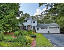 13 Norma Rd, Bedford, MA 01730