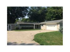 1267 Evelyn St, Taylorsville, IN 47280