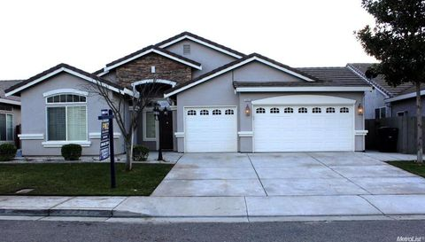 2866 Tulare Ct, Livingston, CA 95334