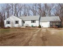 8 Blueberry Ln Unit 2, Leicester, MA 01524