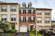 9285 Alvyn Lake Cir, Bristow, VA 20136