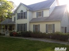 69 Whipporwill Ln, East Quogue, NY 11942