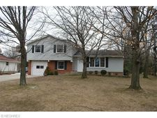 12537 Ward Dr, Chesterland, OH 44026