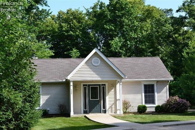 lakeside marblehead milfs dating site Lakeside marblehead, oh, usa  our family has been renting cottages in marblehead for over 60 years  spread across nearly 3 acres of mature trees .
