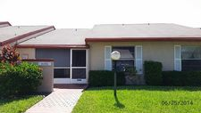 4490 Lucerne Villas Ln, Lake Worth, FL 33467