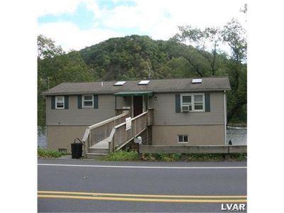 2305 N Delaware Dr, Forks Twp, PA 18040
