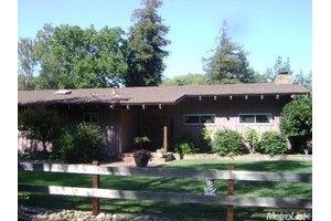 9687 Hildreth Ln, Stockton, CA 95212