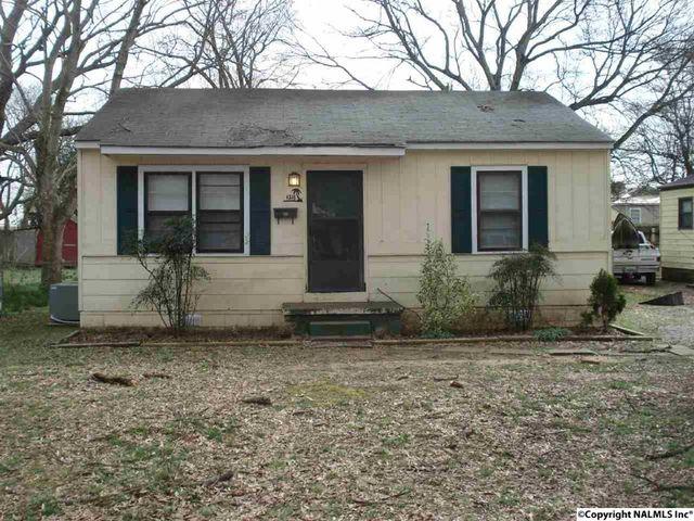 Home for rent 1218 se 20th ave decatur al 35601 for Home builders decatur al