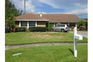 3422 Pleasant Lake Dr, Tampa, FL 33618