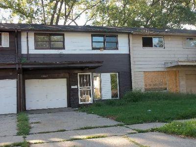 13622 S Wallace Ave, Riverdale, IL