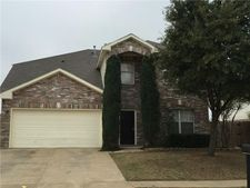 233 Lincoln Ln, Crowley, TX 76036