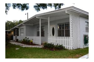 729 Clayton St, Brandon, FL 33511