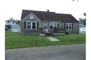 356 Spence Ave, Zanesville, OH 43701