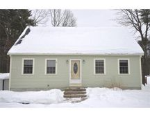 2 Anthony Cir, Newton, NH 03858
