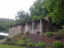 404 Combs Dr, Wittensville, KY 41274
