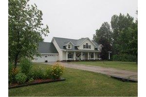 N6521 Lakecrest Dr, Town of Washington, WI 54111