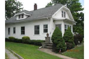 164 N Main St, Amherst, OH 44001