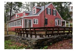 59 W Whisconier Rd, Brookfield, CT 06804