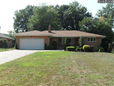 6466 Tanglewood Ln, Seven Hills, OH