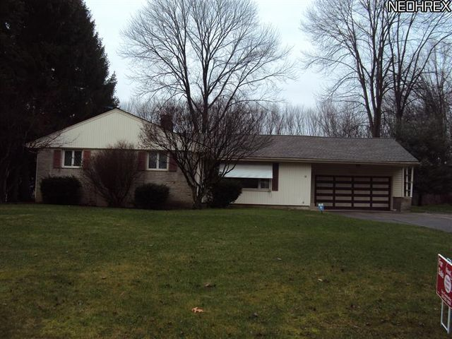 58 Mill Trace Rd, Youngstown, OH