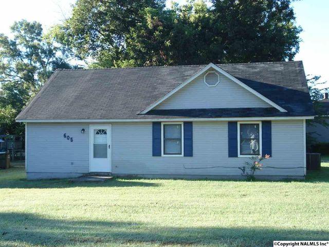 Home for rent 605 bradley st sw decatur al 35601 for Home builders decatur al