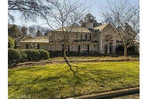 1011 Country Club Dr, Greensboro, NC 27408