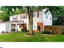 125 Thornwood Dr, Marlton, NJ 08053