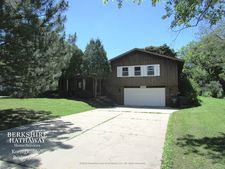3887 Maple Ave, Northbrook, IL 60062