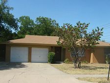 1700 Crescent St, Denton, TX 76201