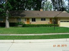 651 Woodcrest Dr, Dearborn, MI 48124