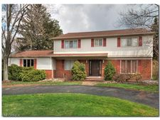 2669 Green Rd, Shaker Heights, OH 44122