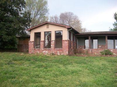 412 Glenlock Rd, Sweetwater, TN