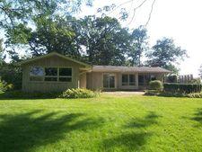 720 Woodland Dr, Crystal Lake, IL 60014
