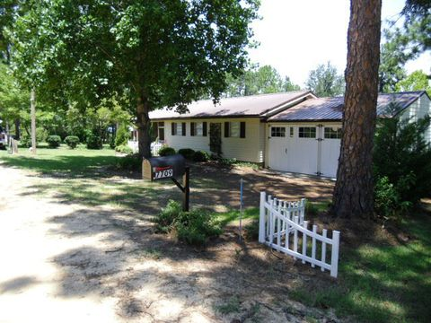 Photo of 7709 Paradise Dr, Donalsonville, GA 39845