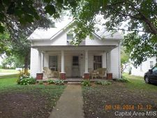608 Elizabeth St, Illiopolis, IL 62539