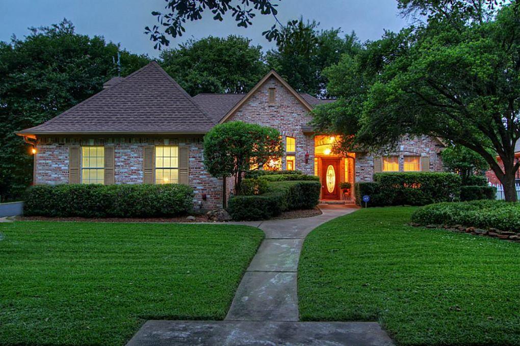 1058 Broadmoor Dr Huntsville, TX 77340