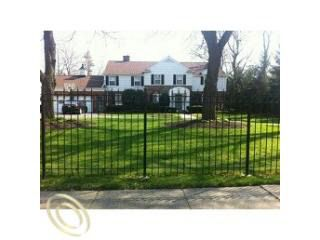 17154 Fairway Dr, Detroit, MI