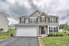 106 Blackberry Ln, Lebanon, PA 17046