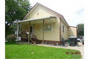 3147 Bushnell Ave, Sioux City, IA 51106