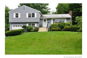 29 Tanglewood Rd, West Hartford, CT 06117