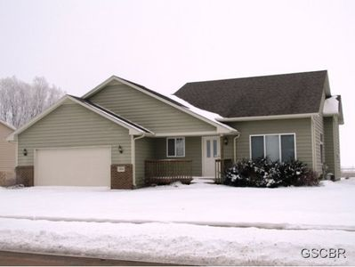 1904 Country Club Dr, Elk Point, SD